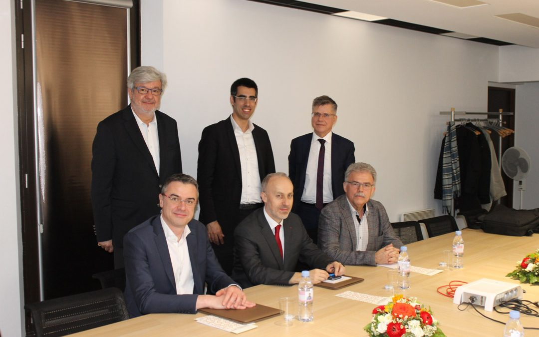 Signature d'un accord-cadre entre elm.leblanc et l'Institut Mines-Télécom.
